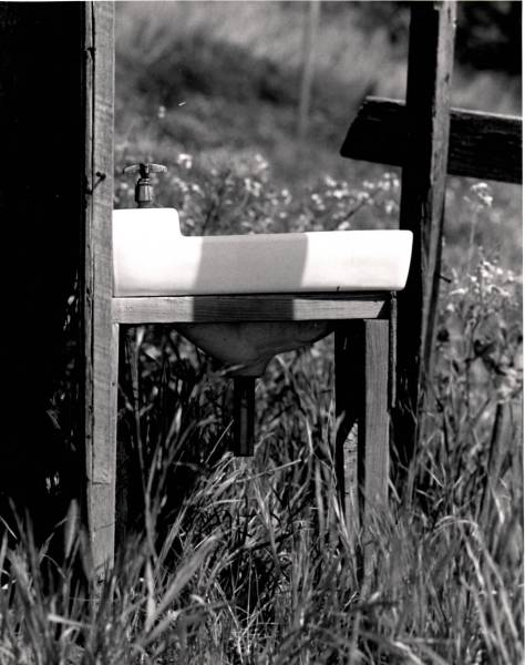 Sink On Farm_Visual Arts_Photography